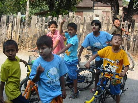 cyclists2maesot